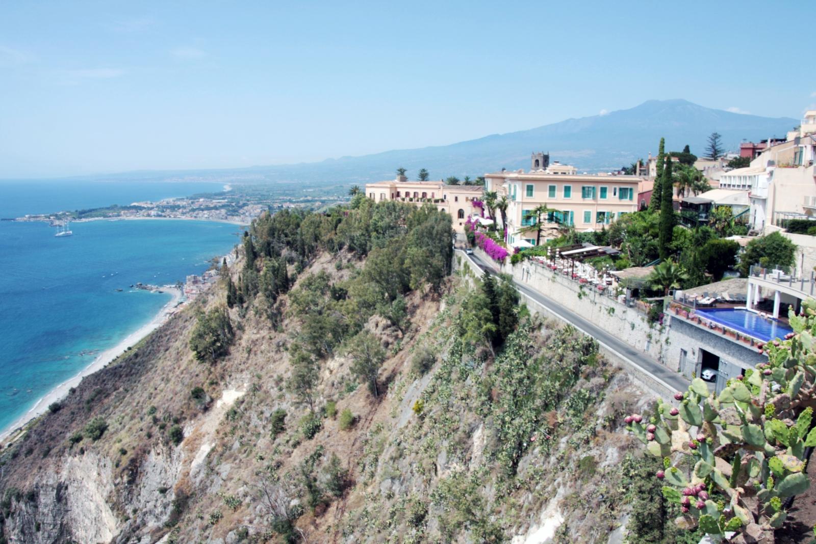 Residence taormina villa oasis finest apartments and suites in sicily - La finestra sul mare taormina ...