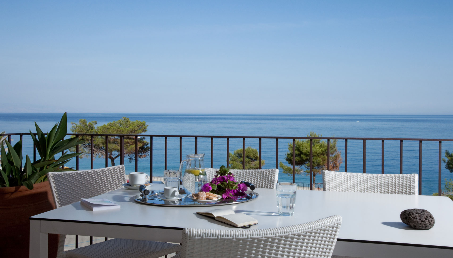 Residence Taormina Villa Oasis - Finest apartments and Suites in Sicily