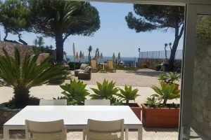 TAORMINA GARDEN HOUSE BILO ON THE BEACH-min